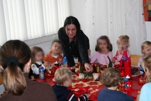 Kinder zu Tisch